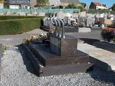 Unusual Graves and Tombstones - Bar tap for a bar tender's grave Cemetery Monuments, Cemetery Headstones, Cemetery Art, Unusual Headstones, The Last Laugh, Funeral, Outdoor Furniture Sets, Death, Grave Markers