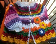 Feito com linha de algodão, macio e quentinho apesar de ser bem leve.   Bem colorido e podendo ser feito em outras cores  Bom para as manhãs ou fins de tarde.  Tamanho de 0 a 3 meses...