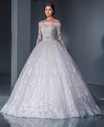 Resultado de imagen para vestidos de novia corte princesa con manga larga