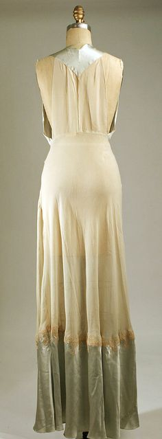 MET 1940s Nightgown