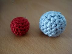 A tutorial to make crocheted beads. All with fantastic photos. Will definitely give this a go thelittletreasures.blogspot