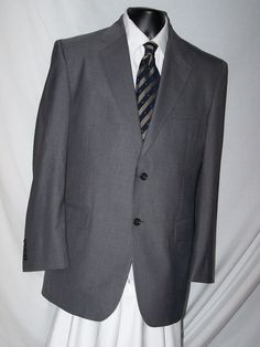 Kilburne and Finch Gray 2 Button Polyester Blend Suit Size 40 #KilburneFinch #TwoButton