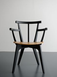 Structured modern chari design for inspired bedrooms   www.bocadolobo.com #bocadolobo #luxuryfurniture #exclusivedesign #interiodesign #designideas #limitededition #limtedfurniture #artfurniture