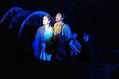 L'addio ai monti è una delle scene più suggestive e toccanti di tutta l'opera, è l'inizio delle rinunce e delle separazioni per i nostri Renzo e Lucia