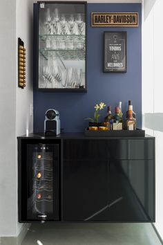 23 Clever DIY Christmas Decoration Ideas By Crafty Panda Canto Bar, Apartment Bar, Coin Café, Art Deco Living Room, Coffee Bar Home, Home Bar Decor, Mini Bars, Moving House, Bars For Home
