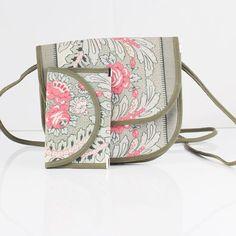 http://www.minizoo.fi/product/28/kukkakuvioinen-laukku