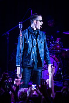 Share from UPLO: G eazy  by The Bearded Stranger