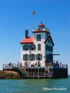 Lorain West Breakwater Light Lorain Harbor Light Lake Erie Ohio US41.477578, -82.190528