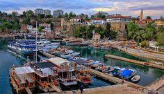 土耳其南部大城安塔利亞Antalya市區景色之三。 © Sheriff Serdar Kurudere