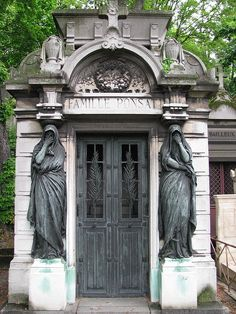 France Travel Inspiration - Père Lachaise Cemetery, Paris France