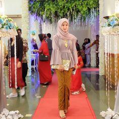 Kebaya Hijab, Kebaya Brokat, Kebaya Dress, Batik Kebaya, Kebaya Muslim, Blouse Dress, Batik Fashion, Hijab Fashion, Moslem Fashion