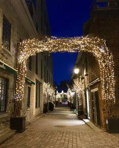 Old Montreal, Quebec, Marina Bay Sands, Christmas Time, Places To Visit, Travel, Viajes, Quebec City, Destinations