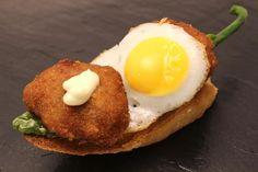 Amona (hamburguesita con huevo frito)
