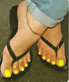 Just a man that loves sex and loves pretty feet Pretty Toe Nails, Pretty Toes, Feet Soles, Women's Feet, Pies Sexy, Acrylic Toe Nails, Toe Nail Color, Nail Colors, Khadra