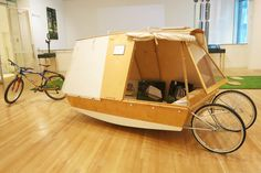 Boat Plans - A micro houseboat that you can tow with your bike - Master Boat Builder with 31 Years of Experience Finally Releases Archive Of 518 Illustrated, Step-By-Step Boat Plans Wooden Boat Plans, Wooden Boats, Boat Bed, Portable Shelter, Shanty Boat, Kombi Home, Water Bed, Cargo Bike, Boat Design