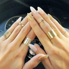 """Les ongles """"pointus"""" vous aimez ? Sélection de vernis Or & Argent de la marque Californienne ORLY http://www.manucure-beaute.com/398-or-argent-orly"""