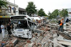 Tsunami hits New Zealand after powerful earthquake. A magnitude earthquake struck the South Island of New Zealand shortly after midnight on Monday N. New Zealand Earthquake, Earthquake And Tsunami, Earthquake Damage, Twila Paris, Get Home Bag, Christchurch New Zealand, 2nd City, South Island, Signs