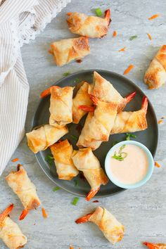 Egg Roll Recipes, Great Recipes, Favorite Recipes, Asian Recipes, Healthy Recipes, Sriracha Recipes, Healthy Food, Yummy Appetizers, Appetizer Recipes