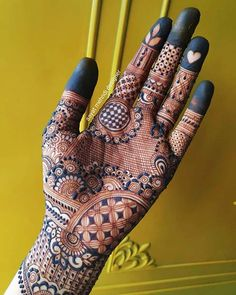 One of the most popular places to have henna is on the hands. So, today we are bringing you 21 amazing henna hand designs that are a work of art! Latest Henna Designs, Floral Henna Designs, Mehndi Designs Book, Beginner Henna Designs, Indian Mehndi Designs, Mehndi Designs For Girls, Stylish Mehndi Designs, Mehndi Design Photos, Mehndi Designs For Fingers