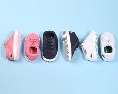 Protege los pies de l@s bebes con un calzado cómodo y apto para ell@s👶🏼 Lacoste, Kids Sneakers, Baby Shoes, Clothes, Fashion, Shoes For Girls, Slippers, Navy Color, Footwear