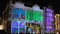 On 22, 23 & 24 November 2010, H&M brought their flagship store in Amsterdam to live with a 3D projection mapping on the historic building. For over 3 minutes...