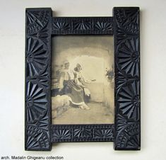 Neo-Romanian style picture frame Old Frames, Byzantine, Fashion Pictures, Picture Frames, Traditional, Romania, Inspiration, Jewels, Home Decor