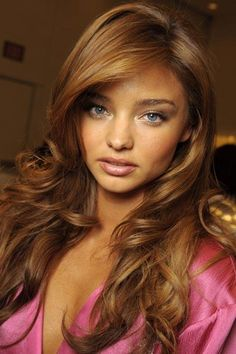 I think Miranda Kerr looks like a little kid but I love this hair color.