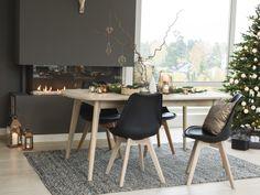 Marte spisebord fra Skeidar Dining Chairs, Dining Table, Christmas Home, Office Desk, Urban, Furniture, Home Decor, Desk Office, Decoration Home