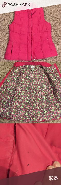 Lilly Pulitzer puffer vest Size small good condition. Has tiny hole inside poket Lilly Pulitzer Jackets & Coats Vests