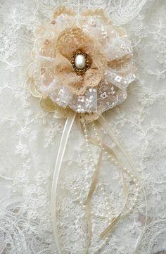 Large Ecru Gillyflower - Handmade lace flower brooch by Jennelise