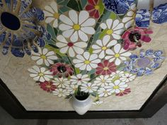 Nikki Murray-Mason, a mosaic artist, specialising in flower mosaics, based in Bermuda. Mosaic Flowers, Stained Glass Flowers, Ceramic Flowers, Mosaic Crafts, Mosaic Projects, Projects To Try, Stone Mosaic Tile, Mosaic Glass, Garden Mosaics