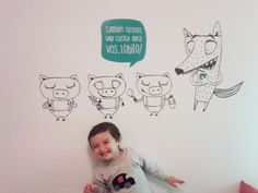 Fede nos envío una hermosa foto de su hijo, feliz con el vinilo decorativo de los tres chanchitos!