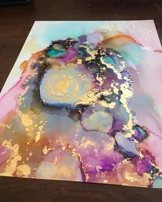 Gold makes everything better! carrieaf_ To get featured for free tag Gold makes everything better! carrieaf_ To get featured for free tag If you have fluid art questions, DM my personal page Alcohol Ink Crafts, Alcohol Ink Painting, Alcohol Ink Art, Pour Painting, Acrylic Pouring Art, Acrylic Art, Diy Abstract Art, Pintura Graffiti, Art Projects