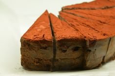 This recipe produce a dark, moist, chocolate-y carob date cake frosted with a silken tofu creme frosting, suitable for vegans. Spa Menu, Date Cake, Cake Servings, Dessert Recipes, Desserts, Tofu, Vegan Vegetarian, Italian Recipes, Frosting