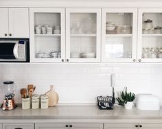 All white #scandinaviankitchen @apartamento84 @rayzanicacio