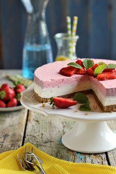 Juditka konyhája: ~ FEHÉRCSOKOLÁDÉS EPRES MOUSSE TORTA ~ Mousse, Something Sweet, Other Recipes, Cake Cookies, Panna Cotta, Bakery, Cooking, Ethnic Recipes, Food