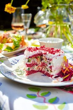 Red velvet style sandwich cake made with caviar and beetroot. This Swedish classic recipe is perfect if you want to mix up your baking repertoire, is a total, utter mash-up, but absolutely delicious. Sandwich Cake, Tea Sandwiches, Baking Recipes, Cake Recipes, Swedish Kitchen, Rachel Khoo, Paris Kitchen, Velvet Style, Red Velvet