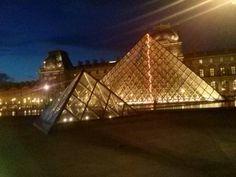 Il Louvre di notte...che spettacolo!