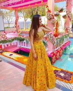 Indian Wedding Gowns, Party Wear Indian Dresses, Designer Party Wear Dresses, Indian Gowns Dresses, Indian Bridal Outfits, Indian Bridal Fashion, Dress Indian Style, Indian Fashion Dresses, Indian Designer Outfits
