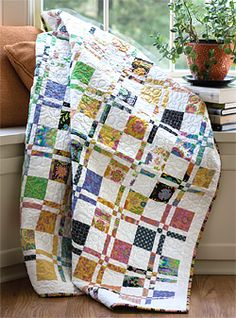 Disappearing Four Patch  Quilt by Jenny Doan of Missouri Star Quilt Co.