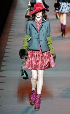 Desfile de Christian Dior. París. Resumen de las mejores pasarelas de la temporada otoño-invierno con fotos. vídeos, Front Row, StreetStyl 2011- 2012. Otoño-invierno.