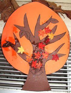 Knutselideeen voor kinderen, rondom het thema herfst. Knutselen voor de herfst en nog meer thema's vind je op deze site Autumn Crafts, Fall Crafts For Kids, Autumn Art, Diy For Kids, Autumn Leaves, Autumn Activities, Activities For Kids, Fall Halloween, Halloween Crafts