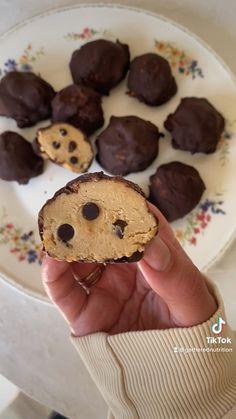 Fun Baking Recipes, Vegan Sweets, Healthy Dessert Recipes, Healthy Baking, Healthy Desserts, Vegan Protein Snacks, Vegan Recipes, Snack Recipes, Healthy Cookie Dough