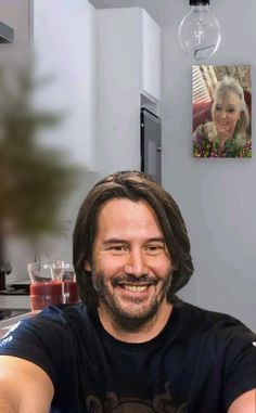 Keanu Reeves, Keanu Charles Reeves, Facebook Scams, Stolen Image, Shy Guy, Comedy, Celebs, Guys, Funny