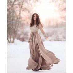DÁMSKÉ OBLEČENÍ | Dámské šaty | Elegantní šaty Leila capuccino | Bellaboutique online prodej dámského oblečení, e-shop s dámskou módou, elegantní a stylové oblečení, společenské oděvy