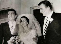 Celebrity Wedding Photos, Celebrity Wedding Dresses, Celebrity Weddings, John Wayne Wife, Classic Actresses, Actors & Actresses, Wayne Family, Clint Walker, Actresses