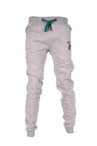 ZI01 Gris  - Coupe normal  - Jogging pantalon de survêtement  - Cordons de serrage à la taille de couleur contrastant  - Logo brodé et chiffre en relief à l'avant - Petit logo en cuir à l'arrière  - Bords côtelés - Matière : 80% Coton, 20% Polyester