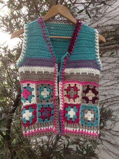 Chaleco crochet, $320 en https://ofeliafeliz.com.ar