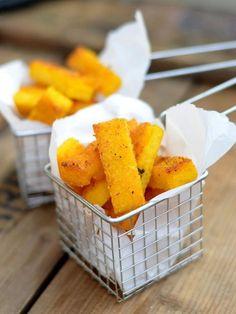 Snack O'Clock: Rosmarin-Polenta-Sticks