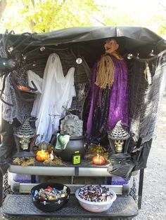 Even your golf cart can play 'Trunk or Treat'